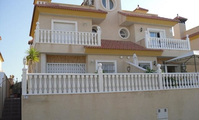 3 Bed Semi-Detached Villa