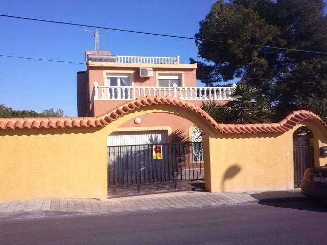 5 Bed Large Detached Villa